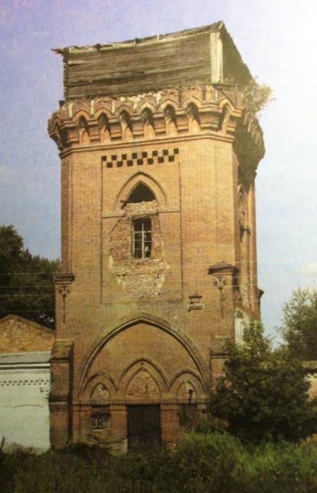Водонапорная башня в селе Рождествено